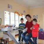 Familie Mutter Kind Paß Untersuchung